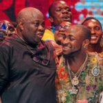 DAVIDO PUBLICLY APOLOGIZES TO DELE MOMODU IN PUBLIC AS THEY END THEIR BEEF